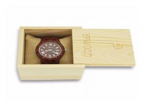 China Men Handmade Natural Pine Wooden Watch Case With Custom Metal Logo on sale