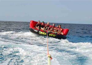 China Sofá loco del agua inflable del deporte acuático de 4 jinetes/tubo remolcable del esquí de Inflatables on sale