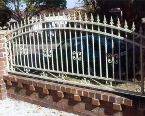 China Wrought Iron Gate for house/villa/appartment on sale