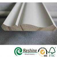 China Primed finger joint wood pine flooring baseboard door casing ceiling crown moulding on sale