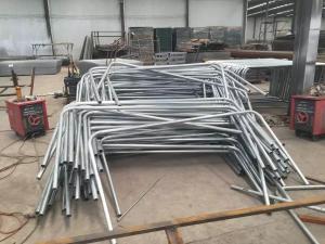 China La cerca temporal galvanizada de la malla soldada con autógena, el panel desprendible del fnece de la malla, cerca barata del hierro labrado artesona en venta on sale