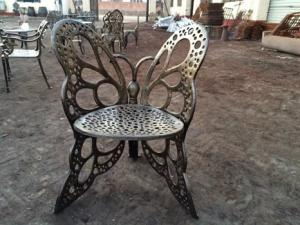China Classical European Cast Iron Table And Chairs Aluminum Patio Furniture on sale