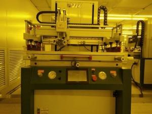 China High Performance Silk Screen Printing Machine 600*800mm Worktable Founded on sale