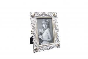China Scrolling Leaf Retro Photo Frames / Portrait Antique Victorian Bedroom Picture Frames on sale