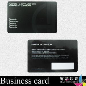 China Las tarjetas de visita ULTRAVIOLETA del PVC del lustre del punto negro Foil sellando/la tarjeta corporativa de la identificación on sale