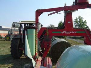 China 750/500mm x 25um PE foils corn agriculture hay wrap wrapping silage bales on sale