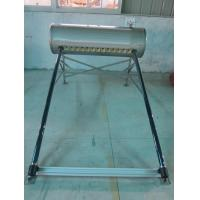 China O estojo compacto da tubulação de calor de 15 tubos de vácuo pressurizou o aquecedor de água solar 150L para o telhado liso on sale
