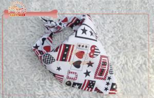 China Adorable Tie Style Triangle Dog Scarf Bandana / polyester dog boutique on sale