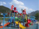 O entretenimento da água caçoa o campo de jogos da água, pessoa do parque 50 da água do divertimento do verão