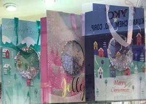 China Medium Xmas Gift Bags Personalised Decoration Shiny Powder Shaker Attachment on sale