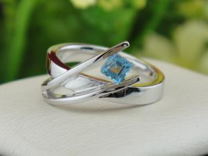 China 925 Silver Gemstone Jewellery Topaz Ring on sale