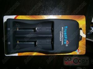 China Cargador de batería del enchufe 100V-240V 158g de Australia, accesorios de la linterna, cargador multi del fuego TR-001 de la confianza on sale