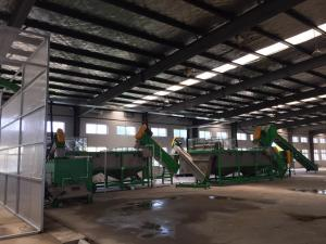 China 3000kg/h PET Plastic Bottle Recycling Machines With Crushing Washing on sale