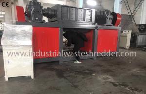 China Plastic Drum Industrial Waste Shredder Low Speed Rugged Mechanical Design on sale