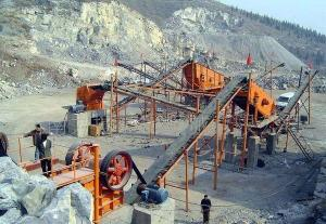 China Kaolin Processing Stone Crusher Machine , Stone Crusher Plant With Belt Conveyor on sale