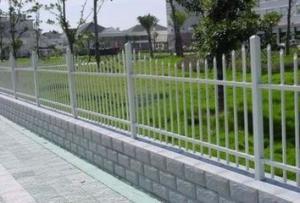 China Galvanized welded wire mesh stainless steel wire mesh 4x4 welded wire mesh on sale