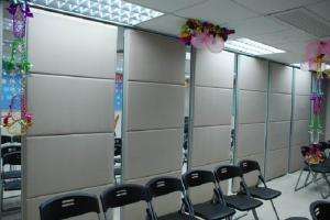 China Voice Insulation Movable Sliding Office Partition Walls with Hanging System on sale