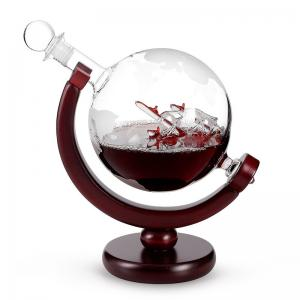 China Borosilicate Etched Glass Decanter , Globe Whiskey Decanter With Wine Glass Cup Gift Set on sale