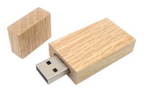 China Free engrave logo wooden usb flash drive with gift box packing on sale