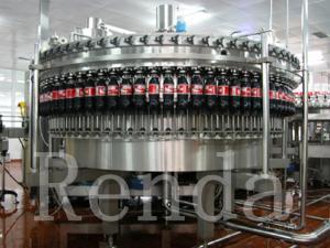 China Máquina de engarrafamento de enchimento carbonatada do ANIMAL DE ESTIMAÇÃO da planta da bebida com sistema de mistura do CO2 on sale