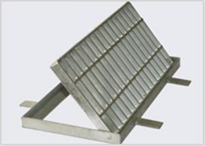 China 30 × 3 Floor Trough Drain Grates, Sliding Resistant Metal Trench Drain Grates on sale