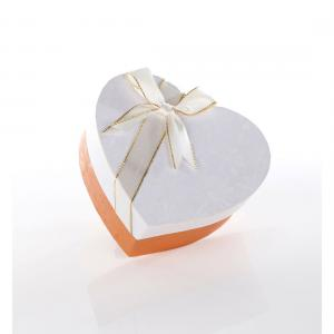China Heart Design Chocolate Christmas Cardboard Storage Boxes  Bow-Tie On The Lid on sale