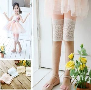 China 2013 girls leggings pure color lace lace candy color children's wear leggings sell like hot cakes on sale