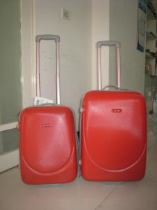 China Red Lightweight 2 Wheel Trolley Luggage 3 Piece Set With Plastic Handles on sale