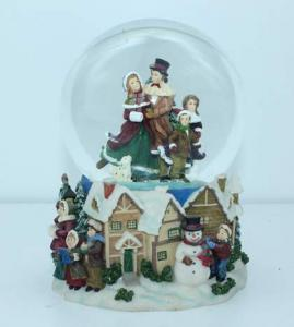China Home made unique crafts musical Water/Snow Globes christmas music boxes on sale