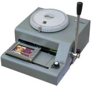 China Máquina de grabación en relieve de la tarjeta plástica on sale