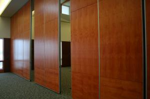 China Interior Material Sliding Door Movable Wall Folding Room Partitions Aluminium Profile on sale