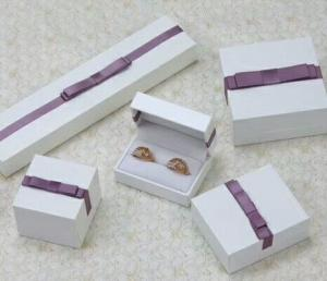 China Popular Flower Jewelry Package Box Gift Packing Storage Case With Ribbon on sale
