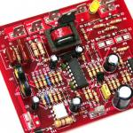 Conjunto sem chumbode alta freqüência do PWB de SMT através da placa de circuito do furo