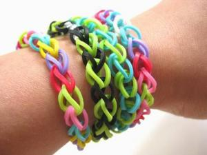 China Silicone Rubber Bracelet,Rainbow Loom DIY Weaving Fun Loom Kit Band Toy For Children on sale