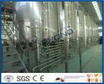 Refresco da fabricação da bebida que faz a máquina, maquinaria da planta do refresco