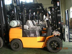 China 3 Ton Stacking Counterbalance Forklift Truck For Loading & Unloading Cargo on sale