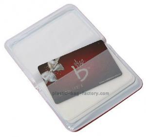 China Portatarjetas plástico rojo de la tarjeta de crédito/identificación por la técnica los 9x16.5cm del sellado caliente del 100% on sale