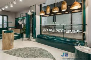 China Fashion Jewelry Shop Interior Fitout Bespoke Furniture Display Showcase and Glass Window on sale