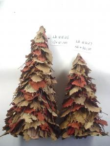 China 2018 new Christmas tree ornaments decoration handmade artificial crafts indoor and ourdoor from nature material on sale