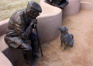 China Old Man And Dog Bronze Statue For Home Garden Public Decoration on sale