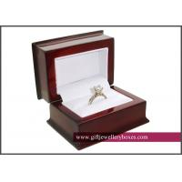 Romantic Wooden Engagement Jewellery Boxes, single jewelry crystal / diamond ring display case box
