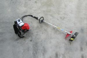 China Upper Tank 43cc Grass Trimmer And Brush Cutter, Low Emission Brush Cutter Machine on sale