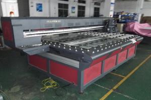 China Digital UV Flatbed Printer , Large Format Printing Machine High Resolution on sale