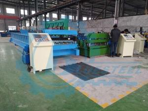 China Hydraulic Steel Corrugated Roofing Sheet Crimping Machine , Metal Roofing Roll Forming Machine on sale