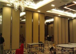 China Paredes de división plegables de la exposición de la puerta de la melamina del aluminio para la sala de exposiciones on sale