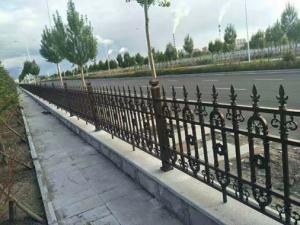 China Galvanized Cast Iron Fence Panels Powder Coated Surface Treatment Decorative Metal Fence on sale