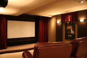 """Quality Home Cinema 150"""" Wall Mount Fixed Frame Projector Screen With HD Matte White for sale"""