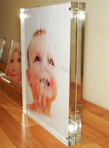 China acrylic desk magnetic photo frame 6x4, 7x5, 8x6,10x8 supplier