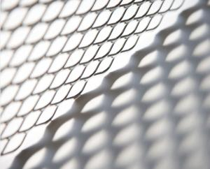 China Building Protection Steel Expanded Metal Mesh Easy To Fabricate Manor Red Color on sale