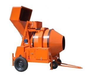 China Diesel Engine Powered Concrete Mixer Machine / Reverse Drum Mobile Concrete Mixer Trailer on sale